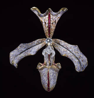 Hair ornament, made by Philippe Wolfers, 1905-7, Belgium. Museum no. M.11-1962. © Victoria and Albert Museum, London