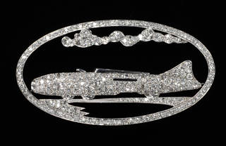 Commemorative Brooch, 1937, England. Museum no. M.115-1993. © Victoria and Albert Museum, London